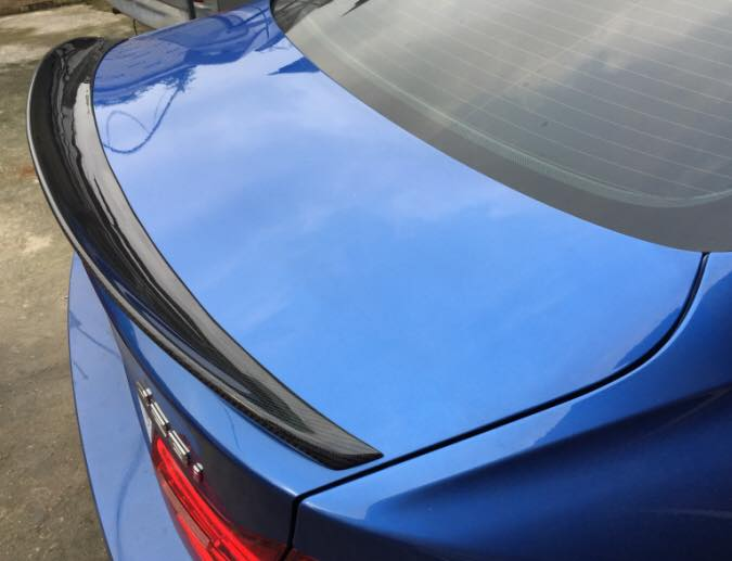 Performance style carbon spoiler for F32