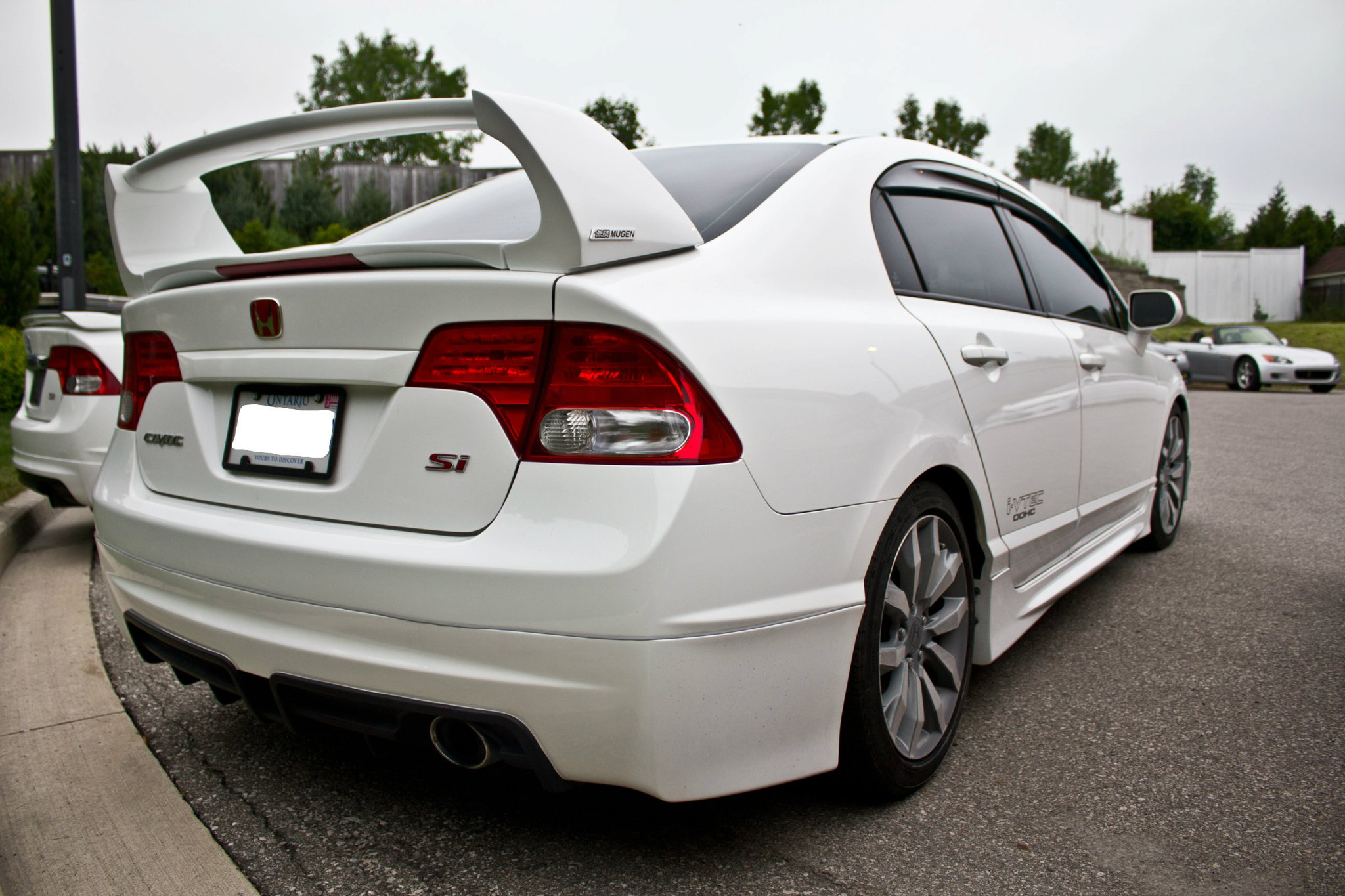 Mugen SI style spoiler FRP material with 3rd brake light